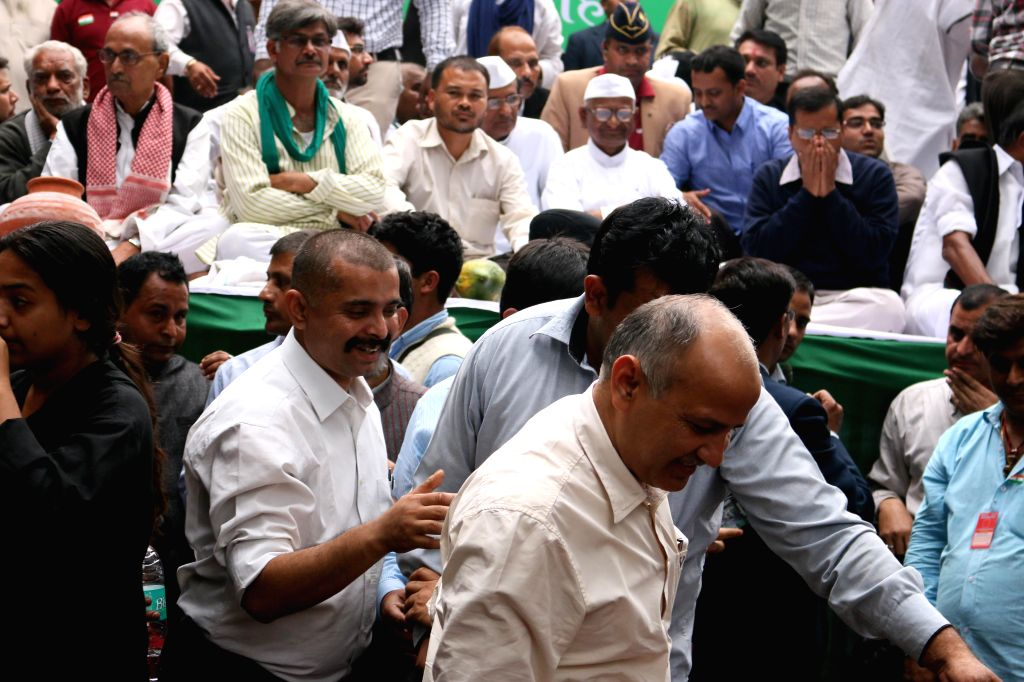 Delhi Deputy Chief Minister Manish Sisodia arrives to participate in demonstration called by social activist Anna Hazare against the land ordinance passed by the NDA government at Jantar ... - Manish Sisodia