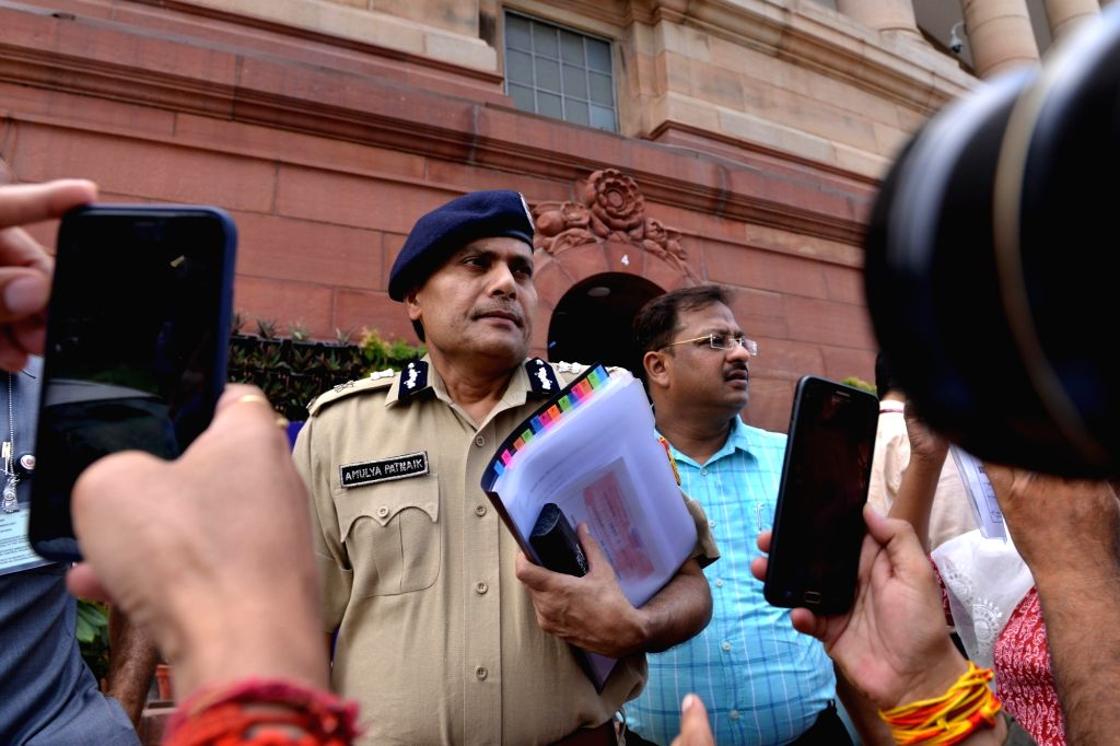 New Delhi: Delhi Police Commissioner Amulya Patnaik who was summoned by Union Home Minister Amit Shah in connection with the communal clashes and temple vandalism which took place on Sunday night in Central Delhi's Hauz Qazi area, at Parliament in Ne - Amit Shah