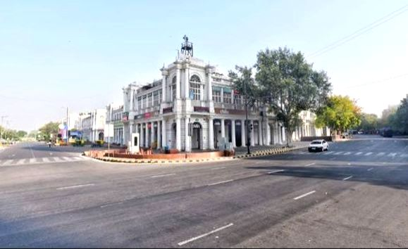 New Delhi: Delhi's Connaught Place bears a deserted look during the nationwide 'Janata Curfew' imposed in the wake of increasing cases of COVID-19 amid coronavirus pandemic, in New Delhi on March 22, 2020. (Photo: IANS)