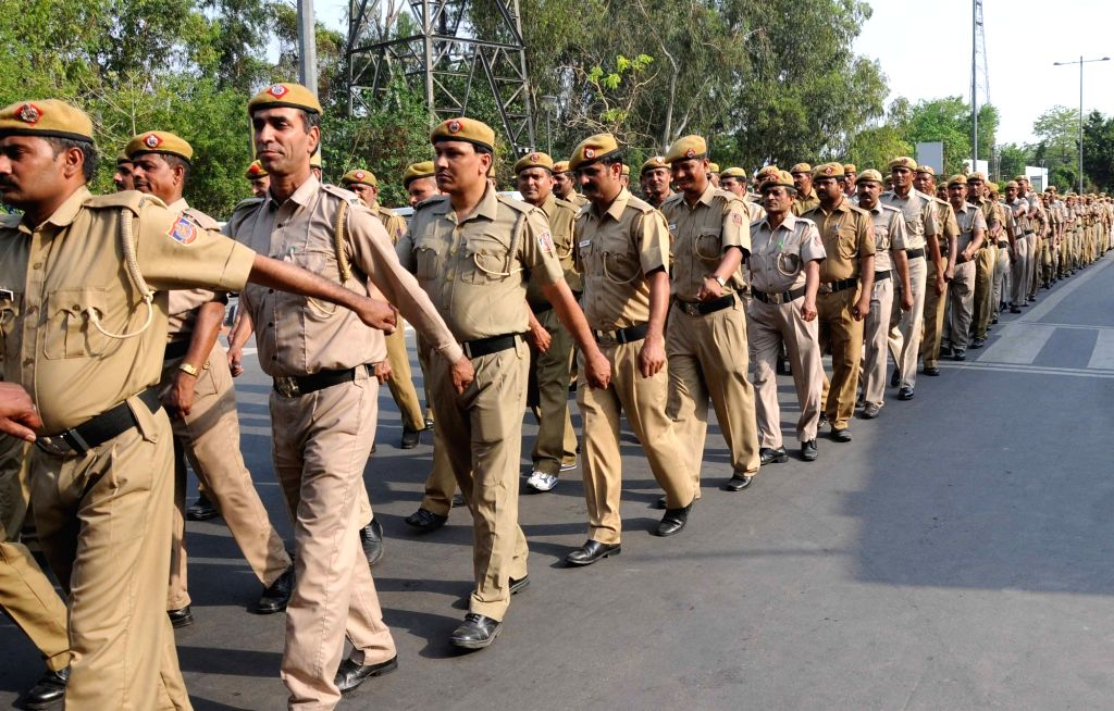 New Delhi: Ex-servicemen recruited for implementation of second phase of odd-even traffic formula in New Delhi, on April 8, 2016. (Photo: IANS)