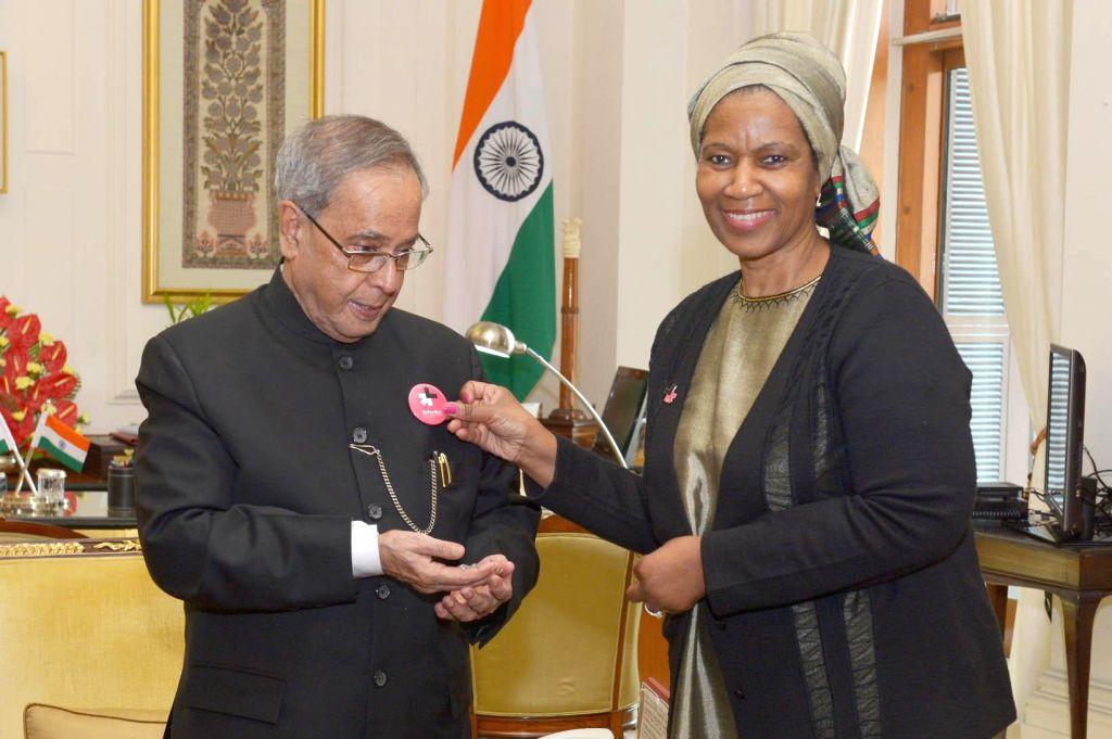 Executive Director of UN Women, Dr. P.M. Ngcuka calls on President Pranab Mukherjee  at Rashtrapati Bhavan in New Delhi, on Nov 11, 2014. - Pranab Mukherjee