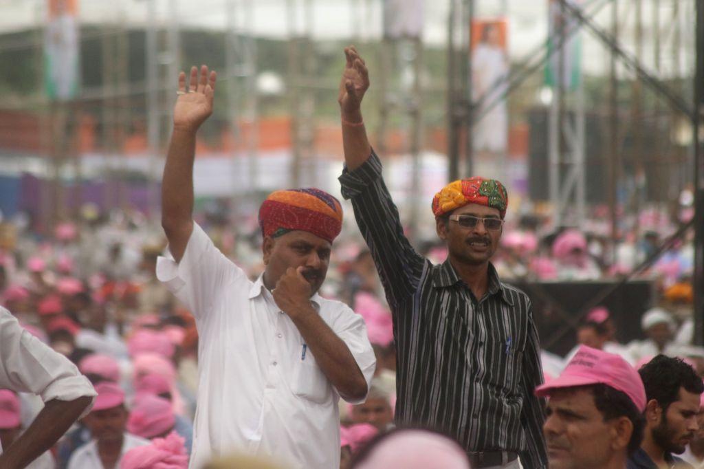 Farmers participate during the Kisan rally at Ramlila Maidan in New Delhi, on April 19, 2015.