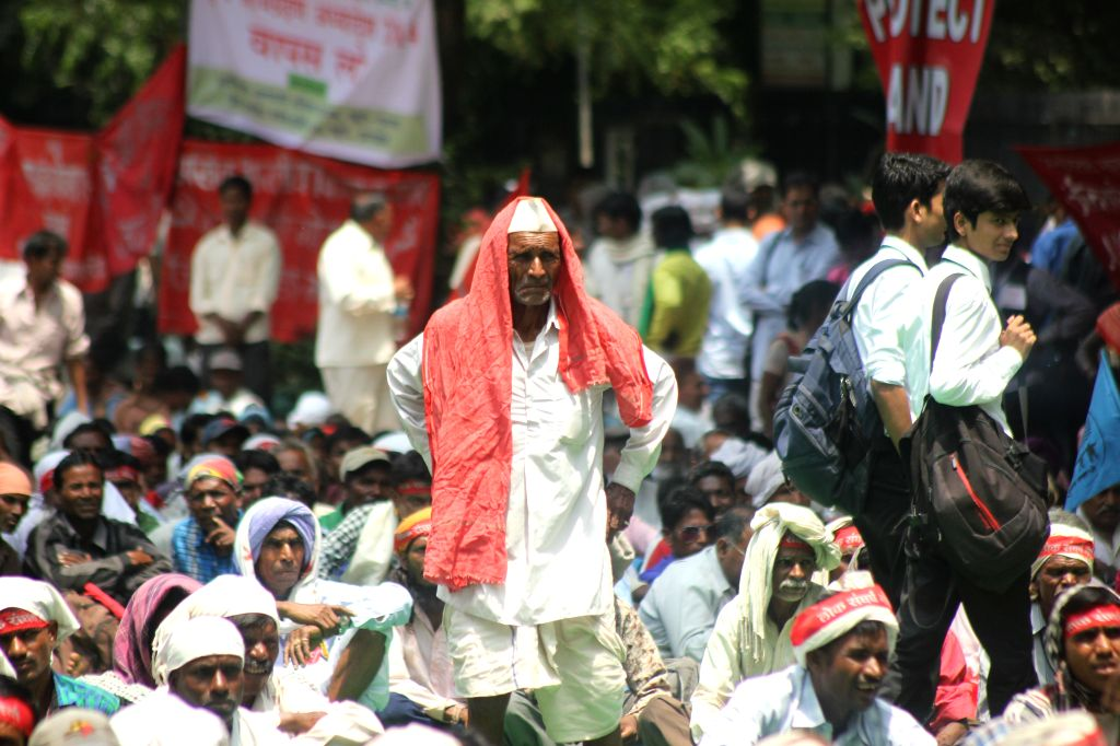 Farmers protest against the Land Acquisition Bill at Jantar Mantar in New Delhi on May 5, 2015.