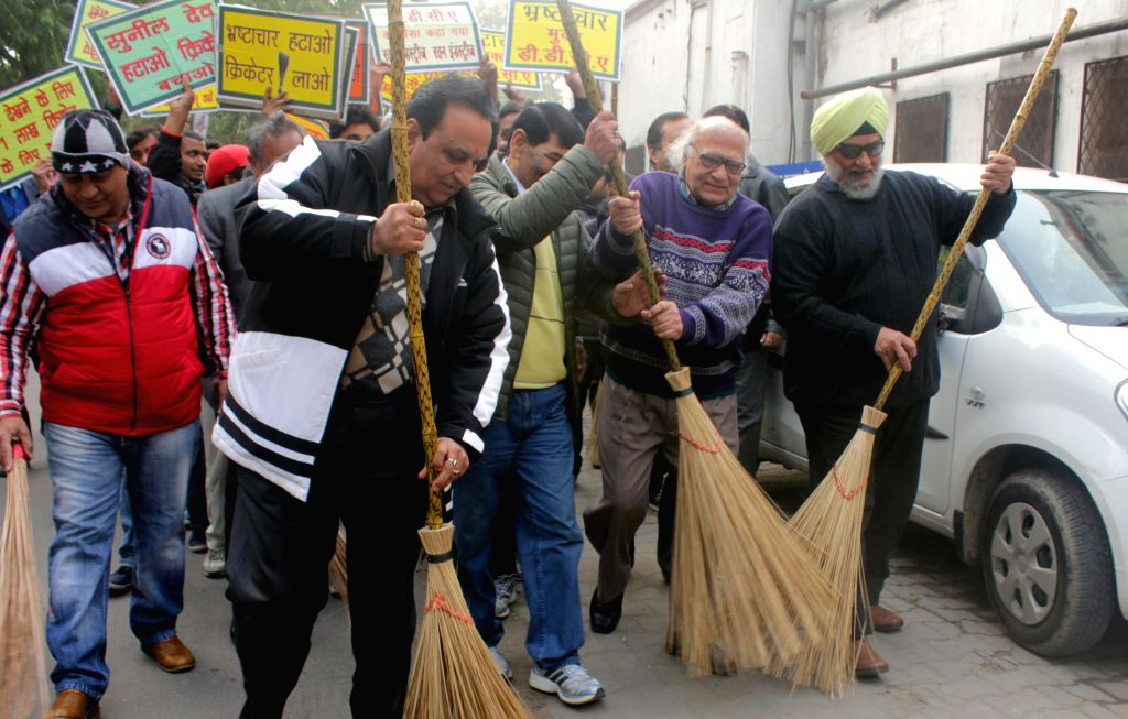 Former Indian cricketer Bishen Singh Bedi participates in Clean India Campaign in New Delhi on Jan. 7, 2014.
