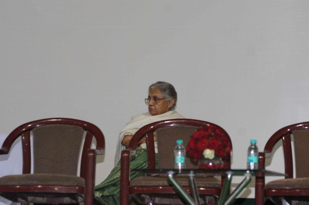 Former Kerala Governor Sheila Dikshit during a programme organised on the eve of 125th birth anniversary of Jawaharlal Nehru at Talkatora Stadium in New Delhi, on Nov 13, 2014. - Sheila Dikshit