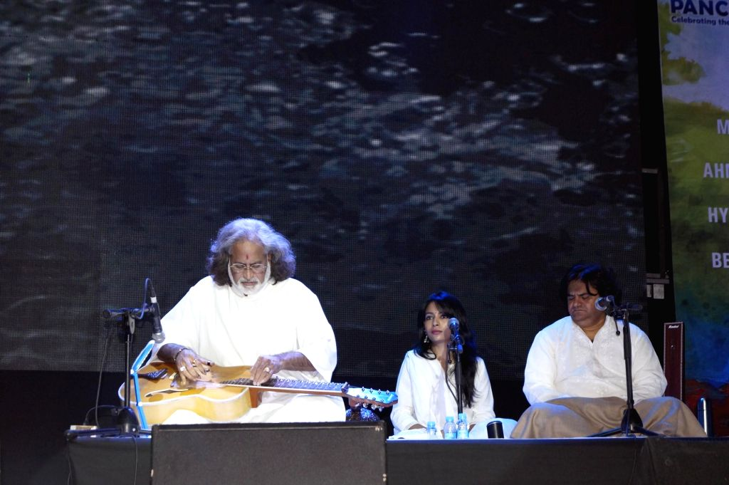 Grammy-winning Hindustani classical music instrumentalist Vishwa Mohan Bhatt performs during Panchtatva -  a  Concert Tour in New Delhi on Jan 23, 2015.