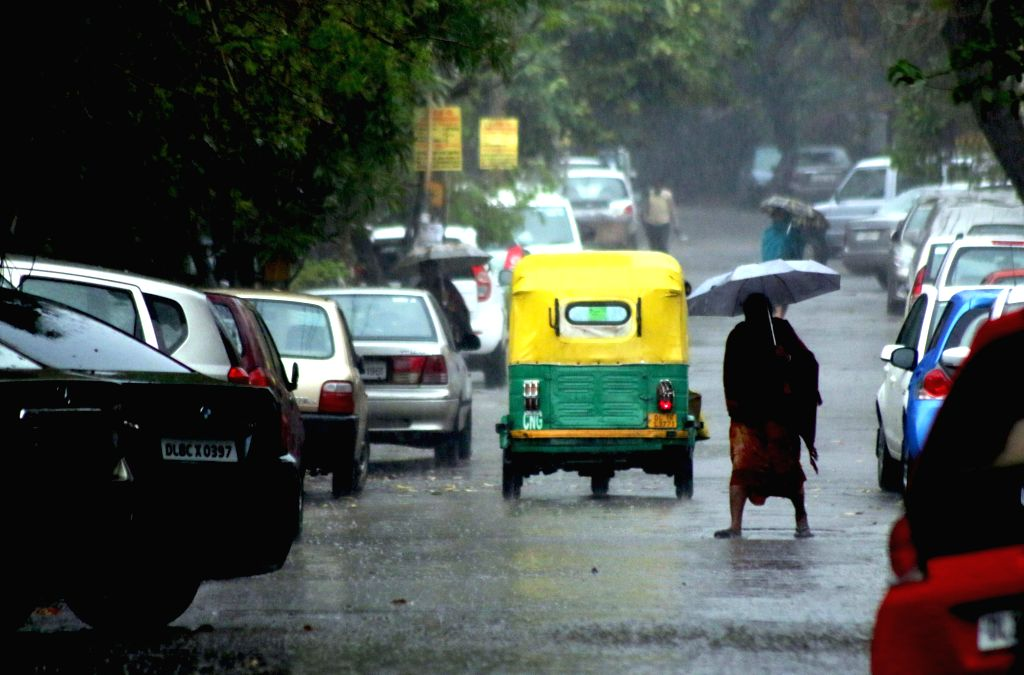 Heavy rains lash New Delhi on March 1, 2015.