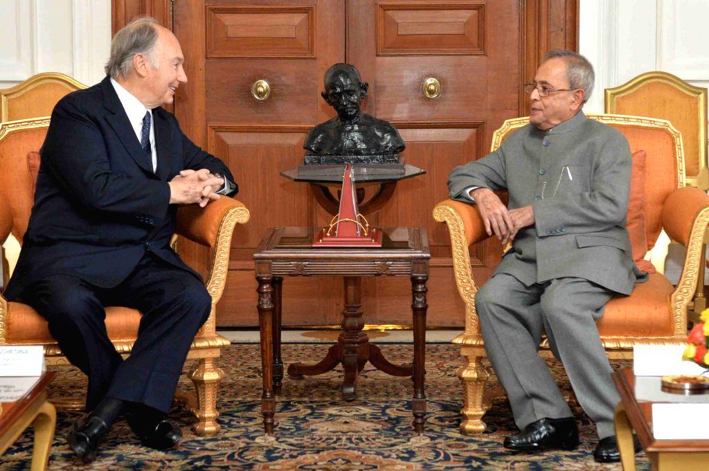 His Highness Prince Karim Aga Khan calls on the President Pranab Mukherjee, at Rashtrapati Bhavan, in New Delhi on April 7, 2015. - Pranab Mukherjee