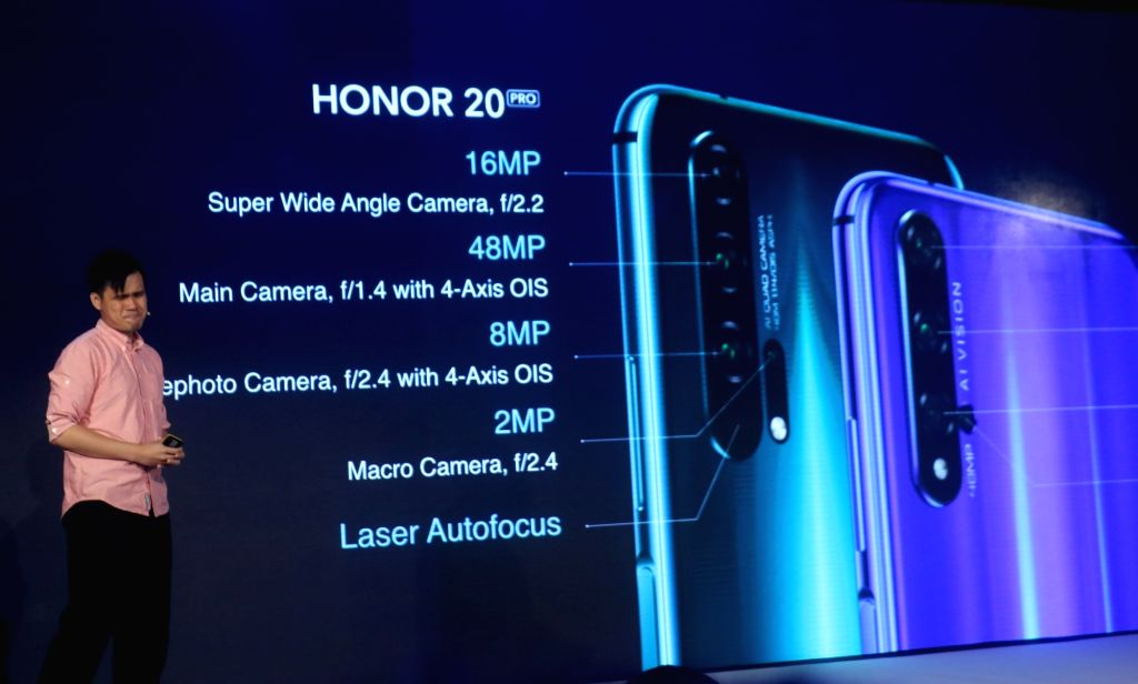 New Delhi: Honor Global Product Marketing Manager J.J. Kwan at the launch of Honor 20 Pro, 20 and 20i smartphones, in New Delhi on June 11, 2019. (Photo: IANS)