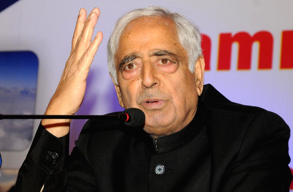 Jammu and Kashmir Chief Minister Mufti Mohammad Sayeed addresses during a programme organised to promote Kashmir tourism in New Delhi, on May 3, 2015. - Mufti Mohammad Sayeed