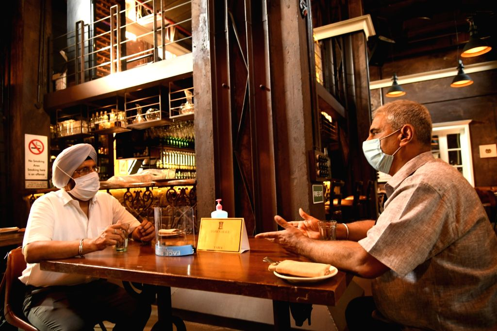 New Delhi, June 25 (IANS) The National Restaurant Association of India (NRAI) on Thursday came up with a Standard Operating Procedure (SOP) for restaurants whereby among other social distancing norms, it has suggested a 2-metre gap between tables.