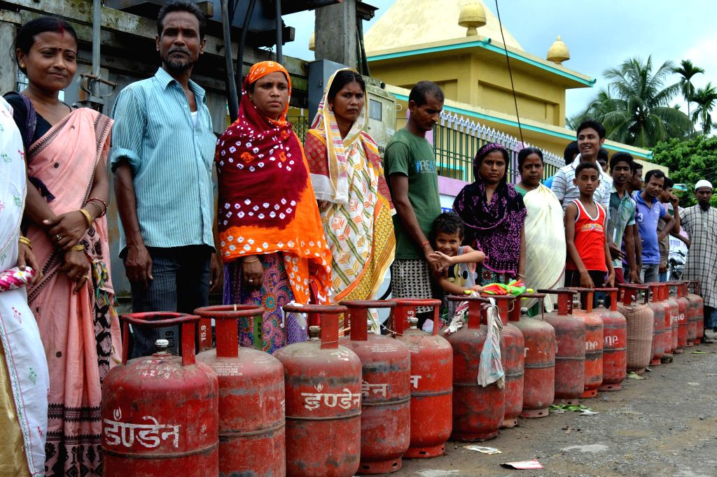 New Delhi, June 30 (IANS) In one of the last reforms in the oil and gas sector, the government is set to free up pricing of all domestically produced natural gas that would help scale up local production from fields of ONGC, OIL, Reliance and Vedanta