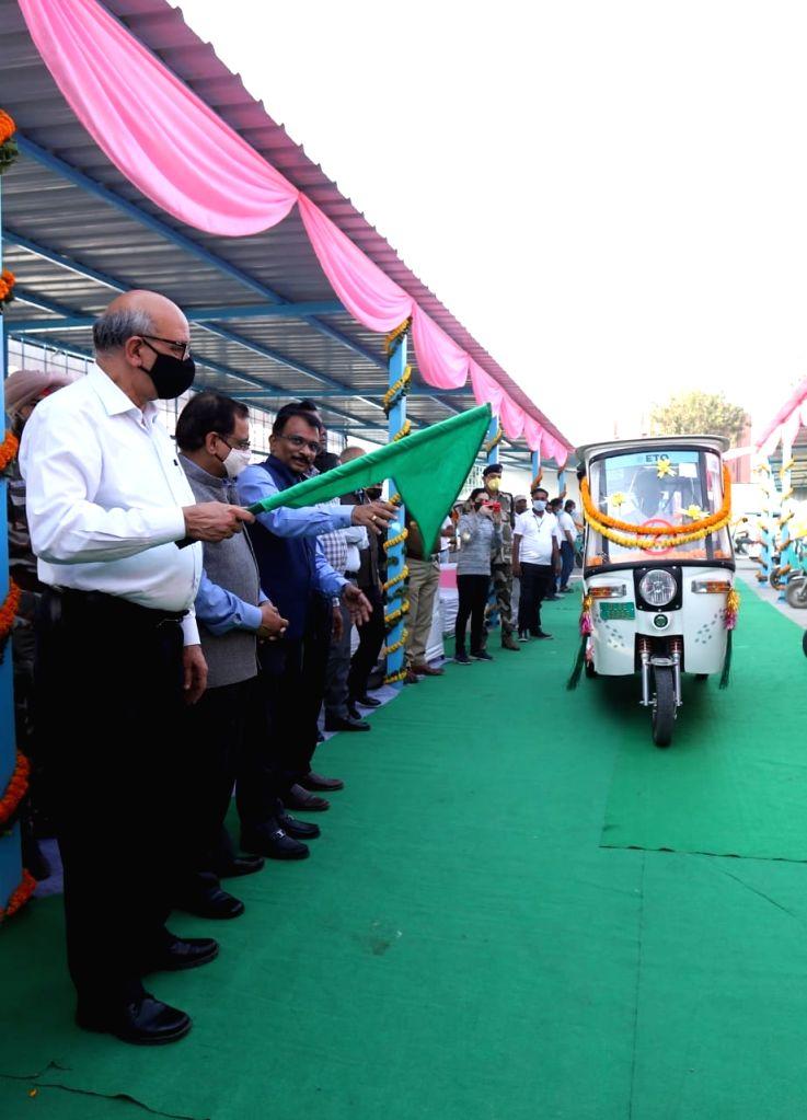 New delhi : Launch of e-rickshaw facility from Jamia Millia Metro Station to boost connectivity.