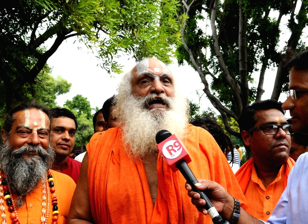 New Delhi: Mahant Dharamdas, a primary litigant in the Ayodhya dispute case, talks to media personnel outside the Supreme Court, in New Delhi on Aug 2, 2019. The Supreme Court on Friday ordered day-to-day hearing on the Ayodhya dispute from August 6