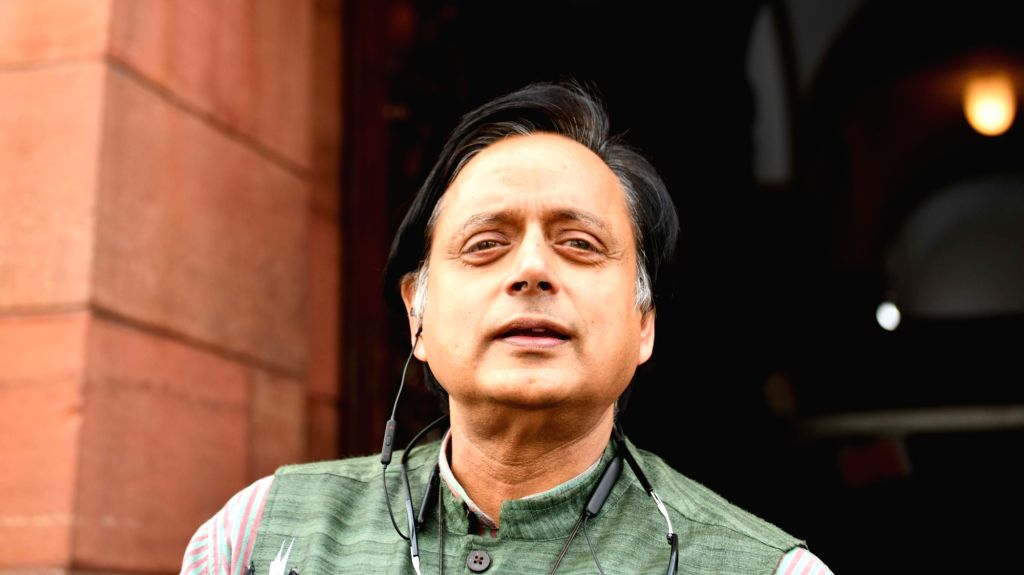 New Delhi, March 29 (IANS) Congress leader Shashi Tharoor on Sunday attacked Prime Minister Narendra Modi for not giving enough time to the people to prepare before a nationwide lockdown was imposed.	(File Photo: IANS) - Narendra Modi and Shashi Tharoor