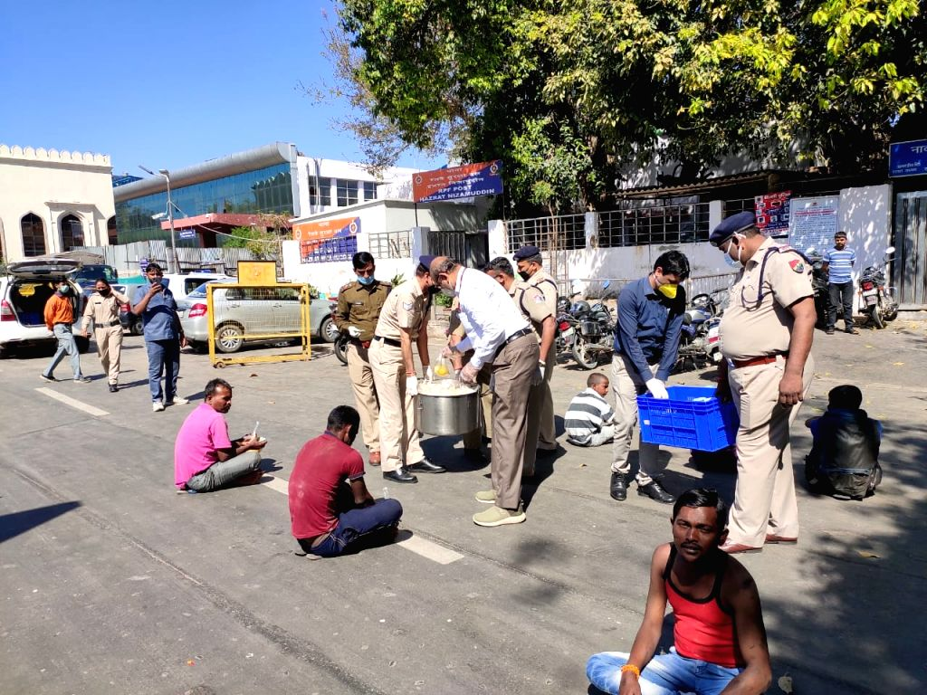 New Delhi, March 29 (IANS) With thousands of migrants left stranded in cities across the country in the wake of the 21-day nationwide lockdown to stop spread of novel coronavirus, the Railways on Sunday said it served lunch to over 11,000 people acro