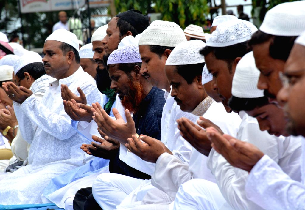 New Delhi, May 24 (IANS) Observe Eid with simplicity, help your neighbour and feed the hungry. This seems to be the message this Eid ul-Fitr, at least in the national capital.
