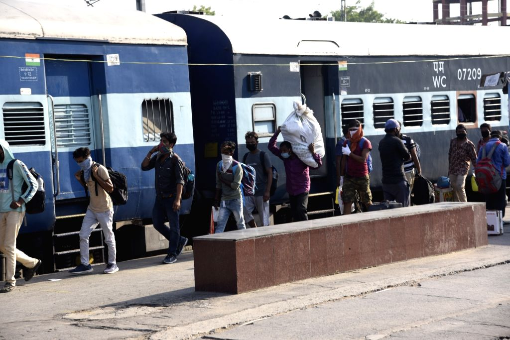 New Delhi, May 8 (IANS) Around 1,200 migrants from Bihar forced to stay in shelter homes in Delhi in the wake of a nationwide lockdown since March 24 midnight left for their home state on a special train here on Friday.