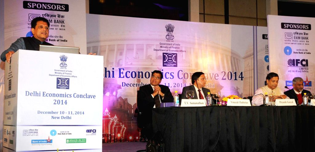 Minister of State (Independent Charge) for Power, Coal and New and Renewable Energy Piyush Goyal addresses the Plenary Session-1, of the two-day `Delhi Economics Conclave 2014` on the ...