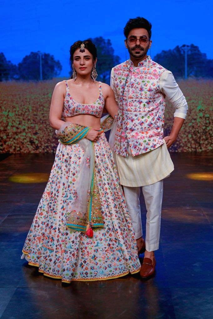 New Delhi, Oct 25 (IANSlife) The digital edition of the Lakme Fashion Week saw Bollywood stars like Sonakshi Sinha, Ishaan Khattar, Radhika Madan, Diana Penty and Aparshakti Khurana turn showstoppers for various designers participating in the bi-annu - Sonakshi Sinha and Ishaan Khattar