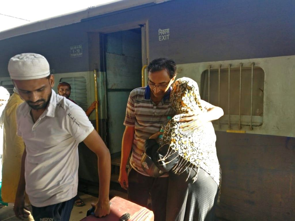 New Delhi: Passengers of Samjhauta Express that runs between India and Pakistan being received by their relatives in New Delhi on Aug 9, 2019. Pakistan on Thursday announced that it is permanently discontinuing the Samjhauta Express train service wit
