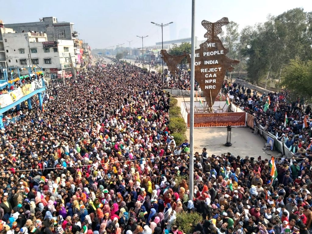 New Delhi: People continue to protest against the Citizenship Amendment Act (CAA) 2019, National Register of Citizens (NRC) and National Population Register (NPR) on the 71st Republic Day, at Shaheen Bagh in New Delhi on Jan 26, 2020. (Photo: IANS)