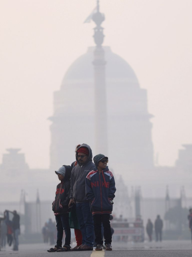 New Delhi: People pack themselves in layers of woolen clothes to stay warm as the national capital witnesses severe cold day conditions, on Dec 28, 2019. This might be the coldest December in a century after the year 1997 as there have been only four