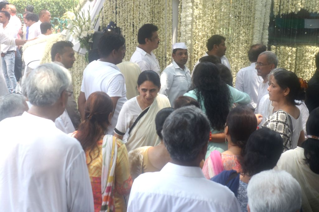 New Delhi: People pay tribute to former Delhi Chief Minister Sheila Dikshit at Congress headquarter in New Dlehi on July 21, 2019. (Photo: IANS) - Sheila Dikshit