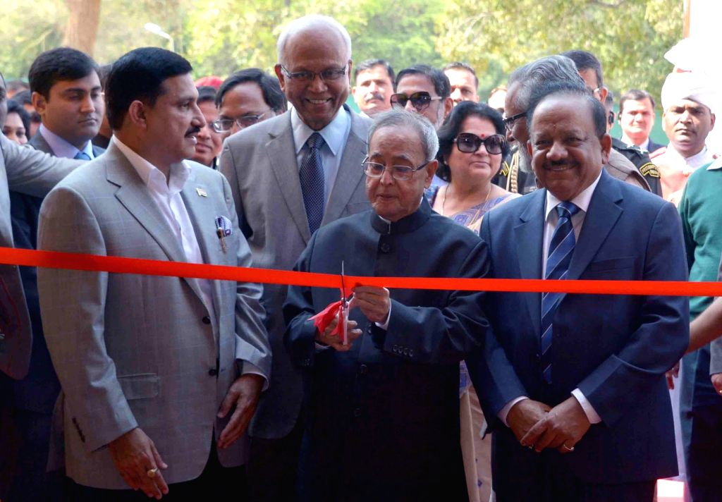 President Pranab Mukherjee inaugurates the Innovation Exhibition, at Rashtrapati Bhavan, in New Delhi on March 7, 2015. Also seen the Union Minister for Science and Technology and Earth ... - Pranab Mukherjee