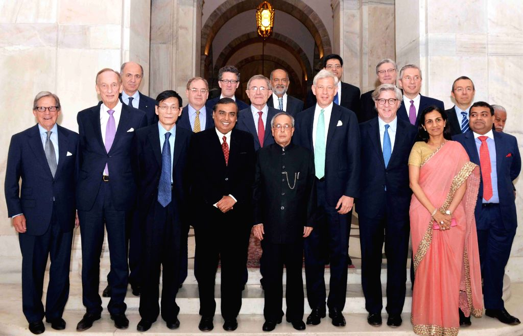 President Pranab Mukherjee with the members of McKinsey Global Advisory Council (MAC), at Rashtrapati Bhavan, in New Delhi on April 14, 2015. - Pranab Mukherjee