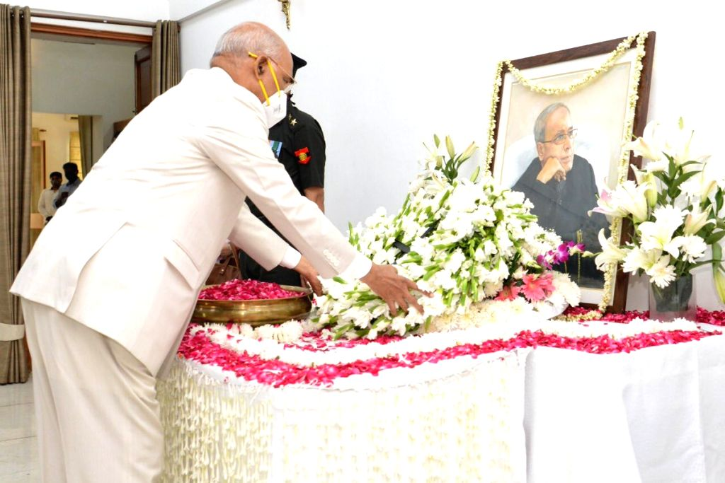 New Delhi: President Ram Nath Kovind pays tributes to Former President Pranab Mukherjee at his 10 Rajaji Marg residence in New Delhi on Sep 1, 2020. Mukherjee passed away on Monday evening at Army's Research and Referral Hospital in New Delhi. He was - Nath Kovind and Pranab Mukherjee