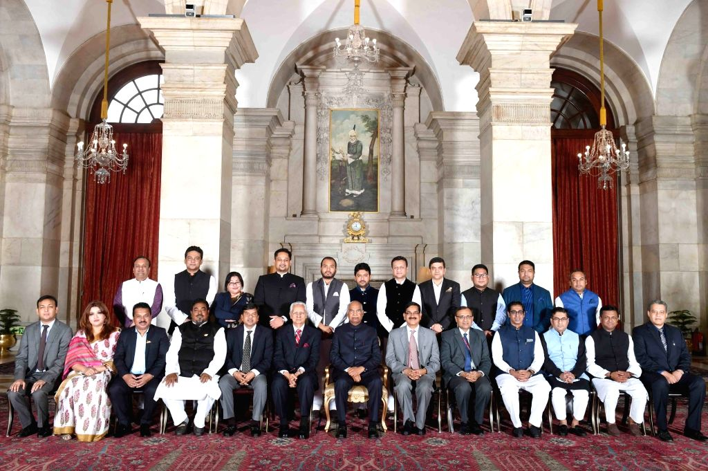 New Delhi: President Ram Nath Kovind with a delegation of Members of Parliament and political leaders from Bangladesh, at Rashtrapati Bhavan in New Delhi on March 12, 2019. (Photo: IANS/RB) - Nath Kovind