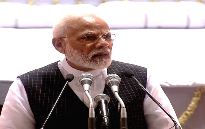 New Delhi: Prime Minister Narendra Modi addresses during a condolence meet organised in the remembrance of Former Finance Minister Arun Jaitley, in New Delhi on Sep 10, 2019. (Photo: IANS) - Narendra Modi and Arun Jaitley