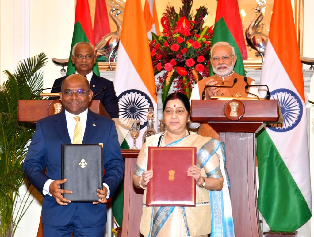 New Delhi: Prime Minister Narendra Modi and Maldives President Ibrahim Mohamed Solih witnesses the exchange of agreements between India and Maldives at Hyderabad House in New Delhi, on Dec 17, 2018. (Photo: IANS/PIB) - Narendra Modi