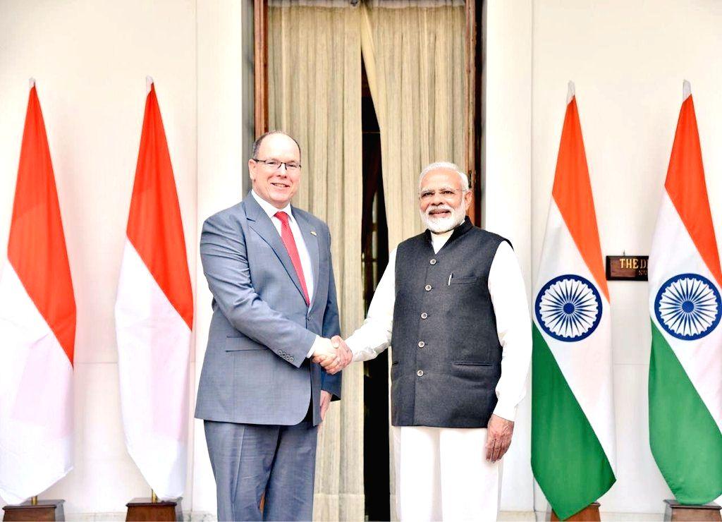 New Delhi: Prime Minister Narendra Modi meets Monaco Head of State Prince Albert II at Hyderabad House, in New Delhi, on Feb 5, 2019. - Narendra Modi