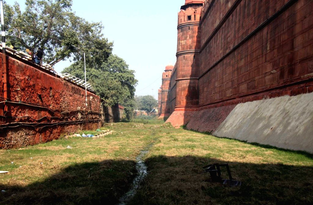 New delhi:  Red Fort, New Delhi closed farmer's rally went violent on Republic Day, 26 January 2021 .