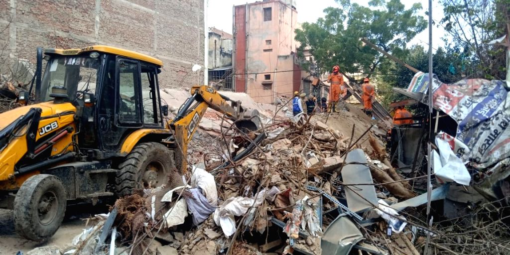 New Delhi: Rescue operations underway at the site where a four-storey building collapsed in Karol Bagh, New Delhi on Feb. 27, 2019. (Photo: IANS)