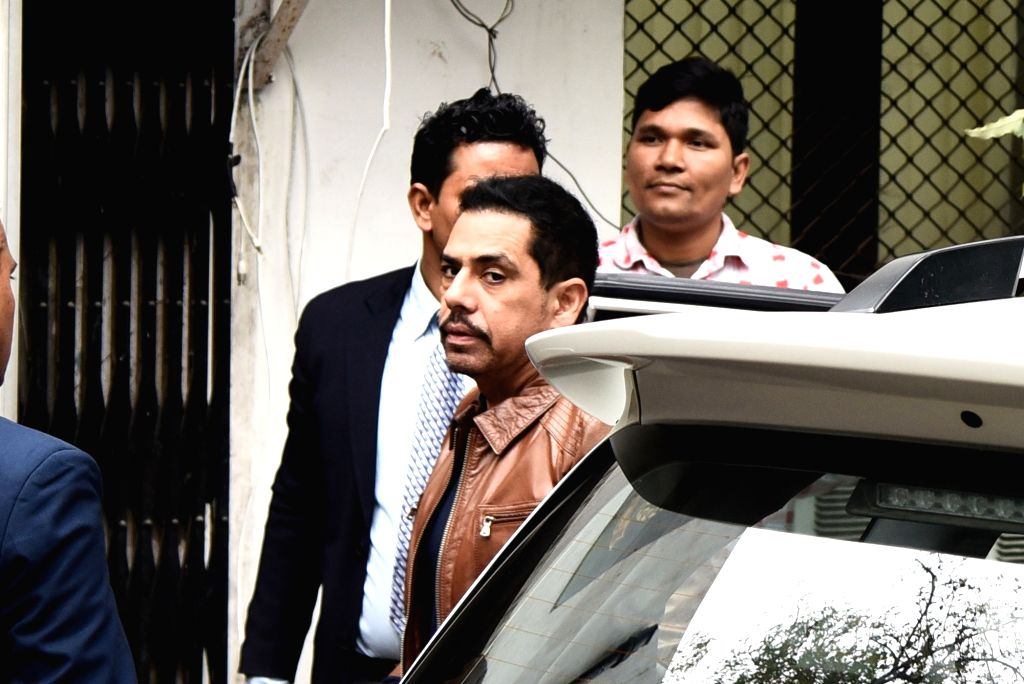 New Delhi: Robert Vadra, brother-in-law of Congress President Rahul Gandhi arrives to appear before Enforcement Directorate (ED) in connection with a money laundering case in New Delhi on Feb 20, 2019. (Photo: IANS) - Rahul Gandhi