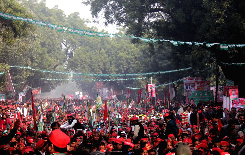 Socialists throng Jantar Mantar to participate in a programme organised by the socialist parties in New Delhi, on Dec 22, 2014.