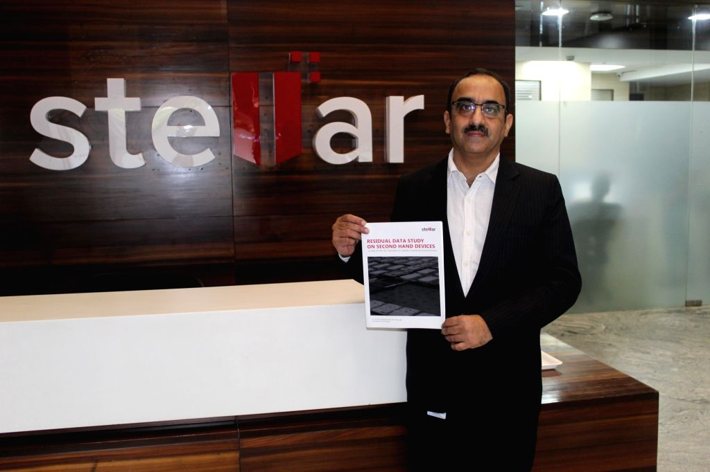 "New Delhi: Stellar Co-founder and Director (Domestic Business) Manoj Dhingra unveils the ""Residual Data Study on Second-Hand Devices"", in New Delhi on April 12, 2019. (Photo: IANS)"