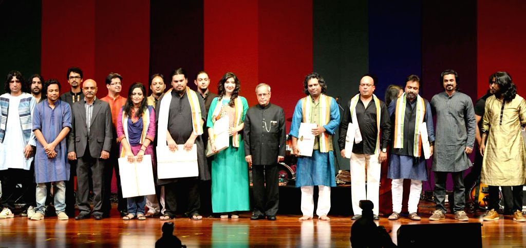The President Pranab Mukherjee with the SAARC Band Artists, in New Delhi, on Nov 5, 2014.