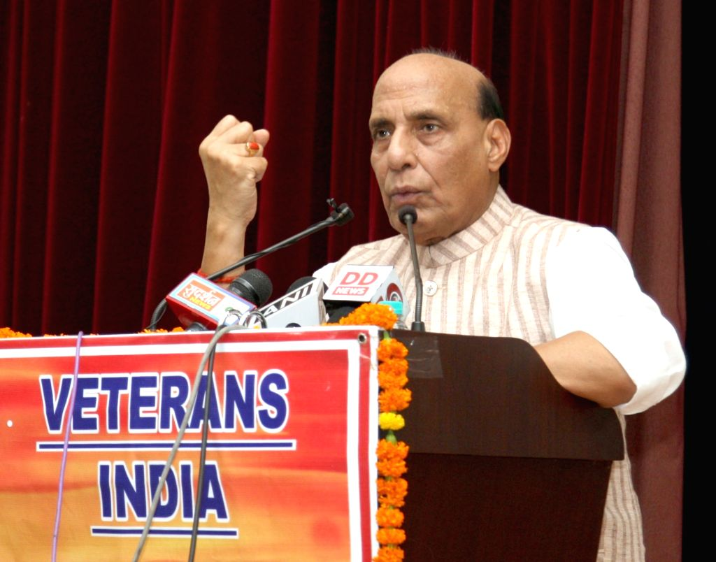 New Delhi: Union Defence Minister Rajnath Singh addresses the veterans and veer naris at an event organised by 'Veterans India', on the occasion of Kargil Vijay Diwas, in New Delhi on July 21, 2019. (Photo: IANS/PIB) - Rajnath Singh