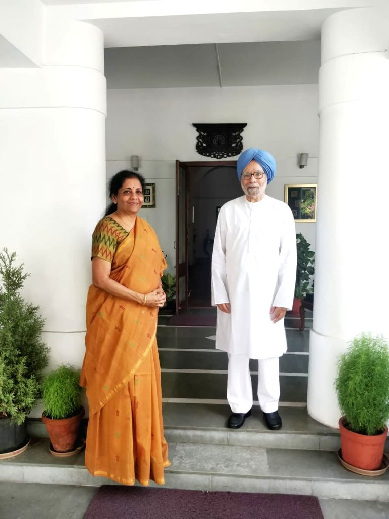 New Delhi: Union Finance and Corporate Affairs Minister Nirmala Sitharaman meets Former Prime Minister Manmohan Singh, in New Delhi on June 27, 2019. (Photo: IANS) - Nirmala Sitharaman and Manmohan Singh