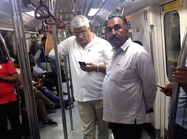 New Delhi: Union Jal Shakti Minister Gajendra Singh Shekhawat travels in Delhi Metro to attend Ganpati Poojan at his friend's place in New Delhi on Sep 4, 2019. (Photo: IANS) - Gajendra Singh Shekhawat