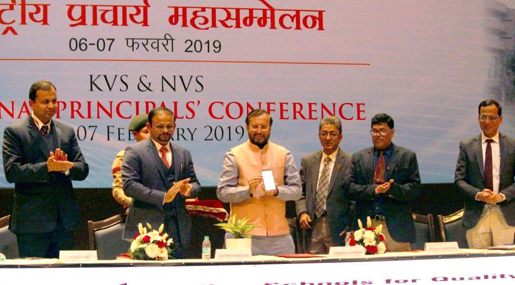 New Delhi: Union Minister for Human Resource Development Prakash Javadekar launches the mobile app 'FitKVian', at KVS (Kendriya Vidyalayas Sangathan) and NVS (Navodaya Vidyalaya Samiti) National Principals' Conference, in New Delhi on Feb 7, 2019. (P