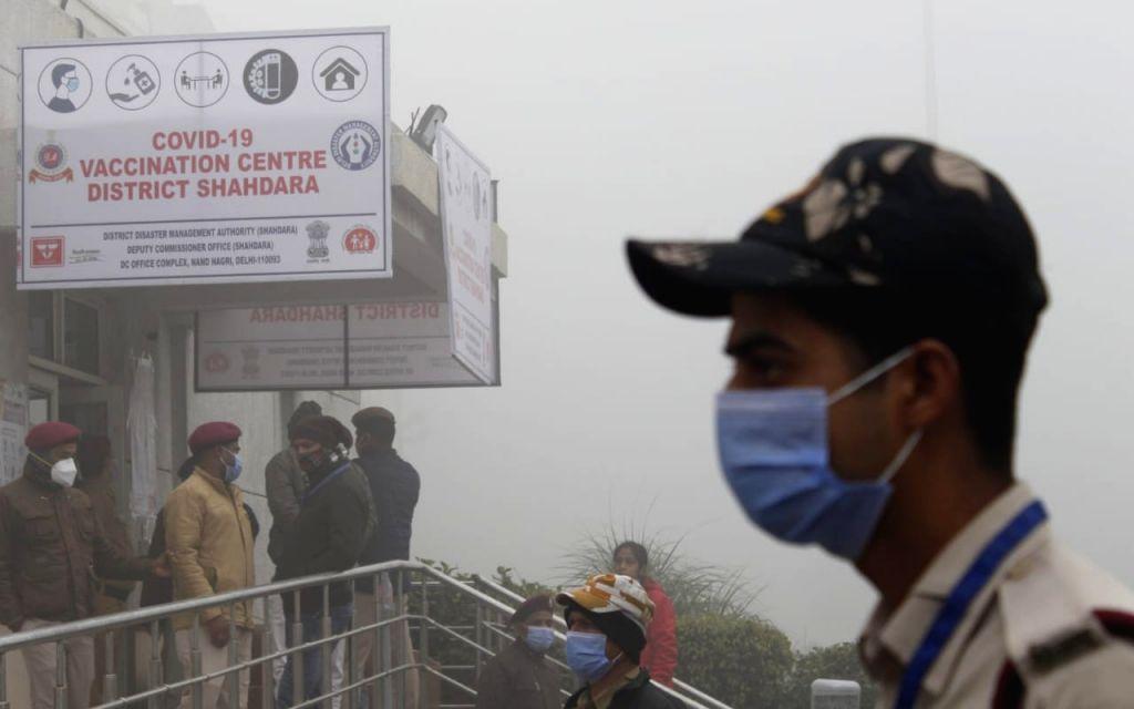 New Delhi:  Vaccination drive at Rajiv Gandhi Hospital, New Delhi on 16 January 2021  (Photo By Qamar Sibtain) - Rajiv Gandhi Hospital