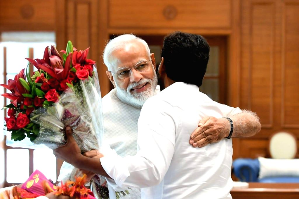 New Delhi: YSR Congress Party leader Jaganmohan Reddy calls on Prime Minister Narendra Modi in New Delhi, on May 26, 2019. (Photo: IANS) - Narendra Modi and Jaganmohan Reddy