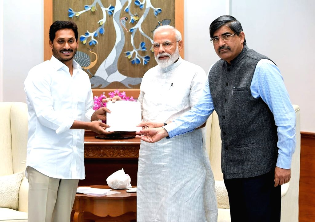 New Delhi: YSR Congress Party leader Jaganmohan Reddy meets Prime Minister Narendra Modi in New Delhi, on May 26, 2019. (Photo: IANS) - Narendra Modi and Jaganmohan Reddy