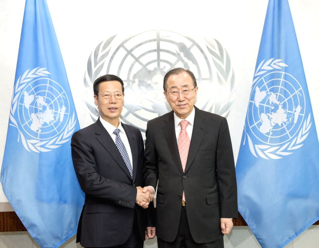 NEW YORK, April 21, 2016 - Chinese Vice Premier Zhang Gaoli (L) shakes hands with UN Secretary-General Ban Ki-moon at the UN headquarters in New York, the United States, April 21, 2016. Zhang will ...