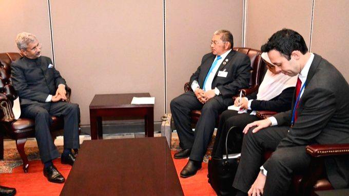 New York: External Affairs Minister S. Jaishankar meets Brunei Foreign Minister Erywan Pehin Yusof, in New York on Sep 27, 2019. - S. Jaishankar